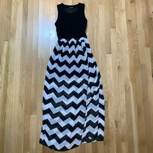 HeartSoul black/white chevron maxi dress